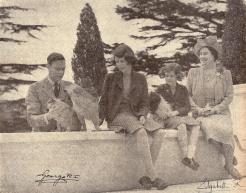 Cette photo offerte par la famille royale était à la place d'honneur au Q.G. des A.F.A.T. pendant toute la guerre (RFL).