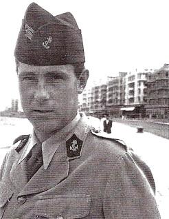 Le capitaine Horace Mallet, en permission à Alexandrie, le 23 mai 1942. Il sera tué pendant la sortie de Bir Hakeim, le 10 juin (RFL).