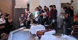 La chorale des élèves entonne le Chant des partisans. (photographie Région PACA-LEGTA Valabre)
