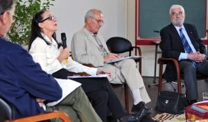 Vue de la tribune avec Christine Levisse-Touzé au micro, François-René Cristiani-Fassin et Bruno Guichard. (photographies Région PACA-LEGTA Valabre)
