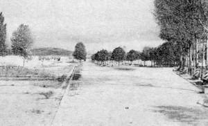 Camp de concentration de Miranda de Ebro. L'allée principale, la fontaine et les pabellons en ruines, septembre 1955 (RFL).