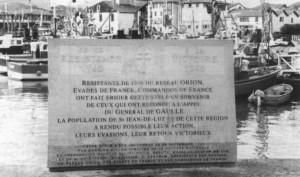 La stèle érigée en 1995 par les anciens du réseau Orion, les évadés et les commandos de France (RFL).