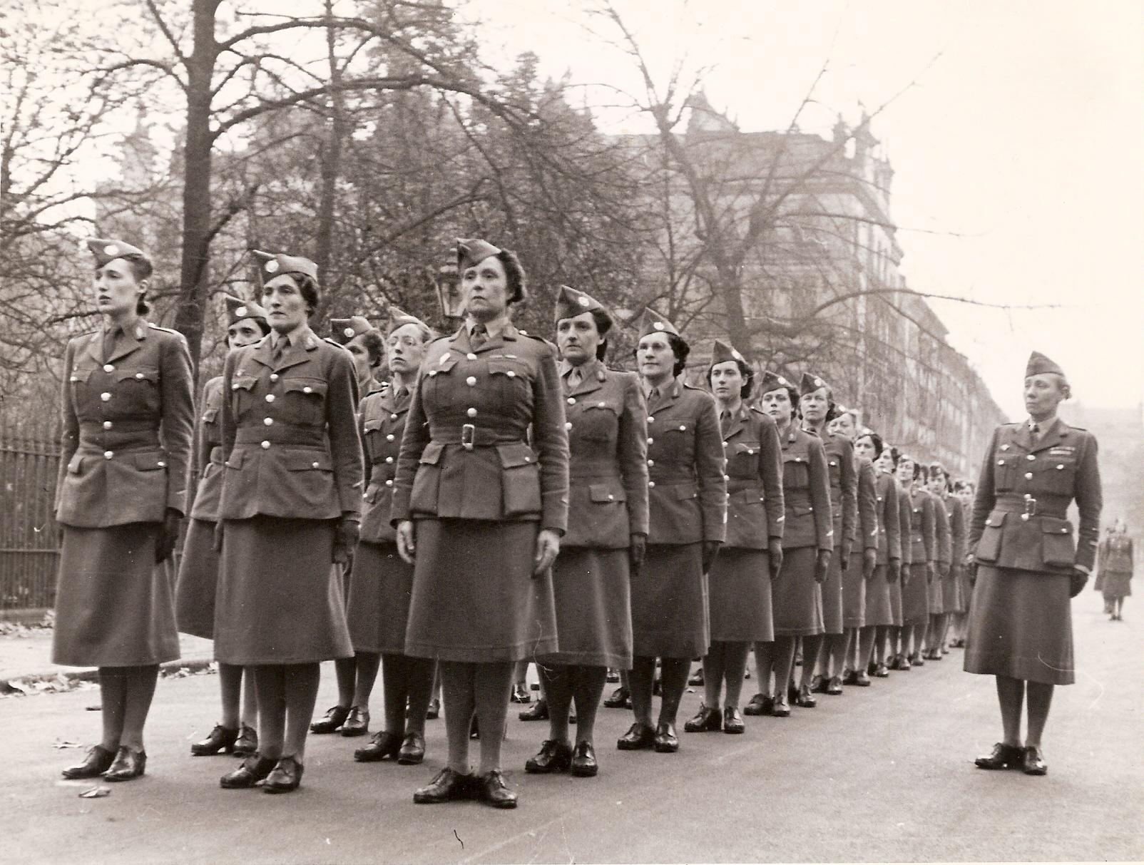 Les femmes engagées dans les Forces françaises libres