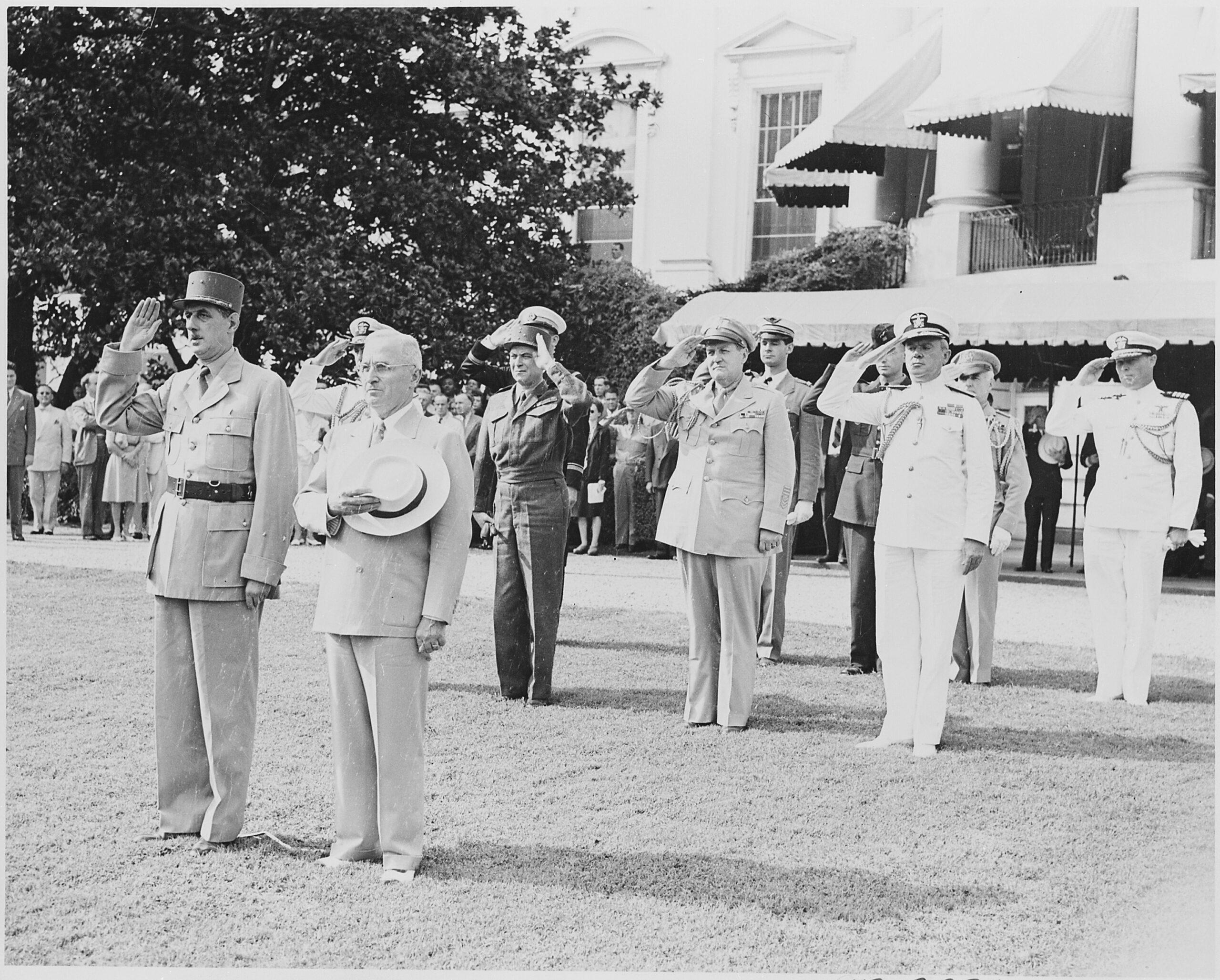 Août 1945