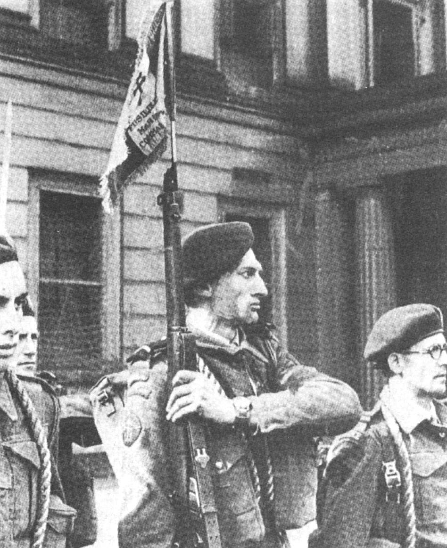 Les premiers jours en France du bataillon fusilier marin commando